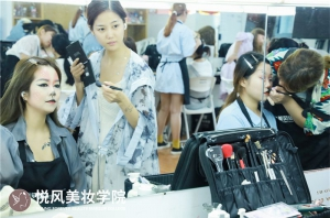 厦门学化妆选择哪家学校最好?
